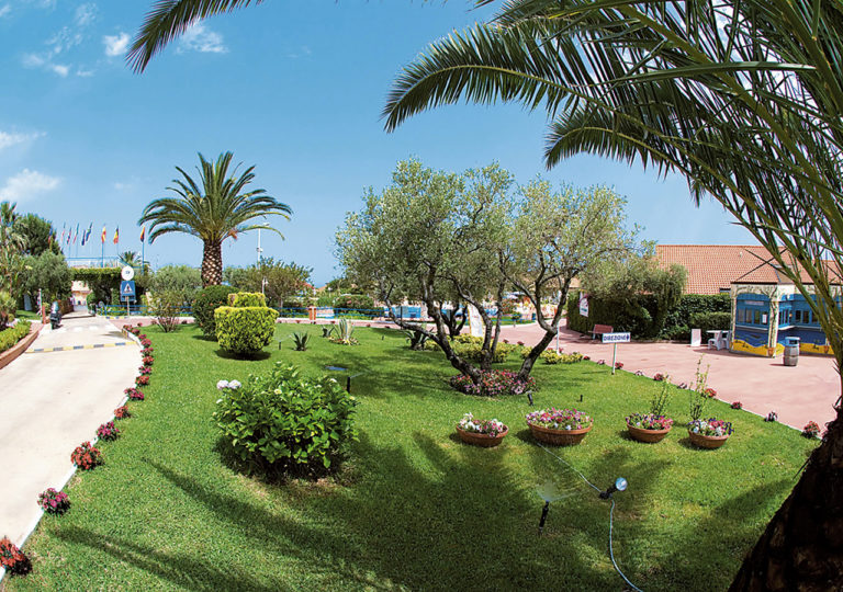 Borgo Beach CBorgo Beach Club Pace 1280x900-Club Pace 1280x900-ESTERNI 3